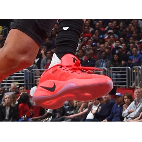 Trevor Ariza shoes