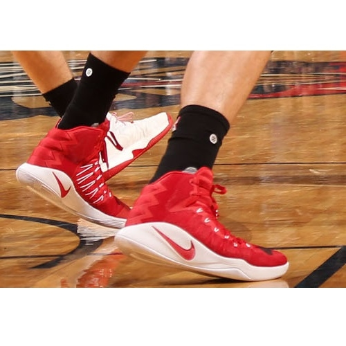 Meyers Leonard shoes