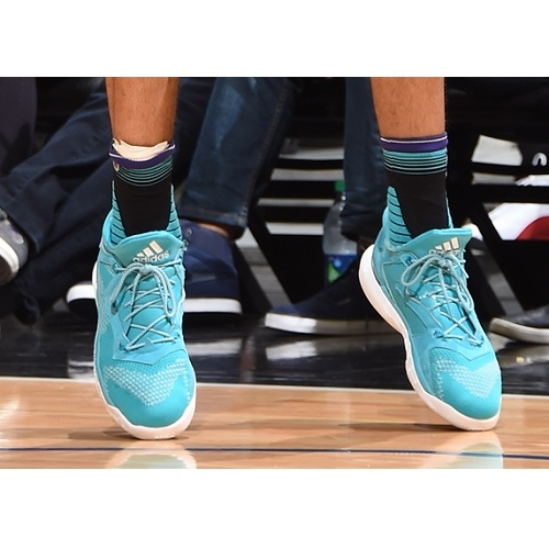 Nicolas Batum shoes