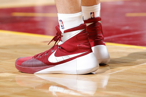 943a290819ea ... low cost other sneakers worn by kevin love. nike hyperdunk 2015 46d4d  c1faf