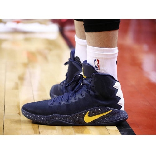 Kevin Love shoes