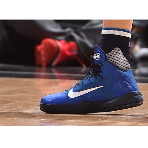 Dirk Nowitzki shoes