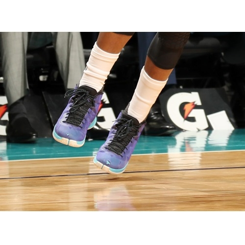 Kemba Walker shoes