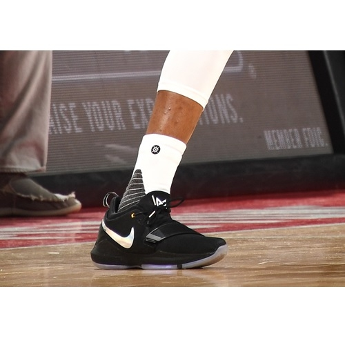 Kentavious Caldwell-Pope shoes