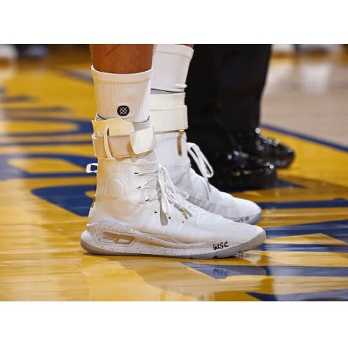 Stephen Curry's Under Armour (UA)