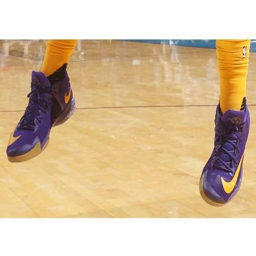 Anthony Davis shoes
