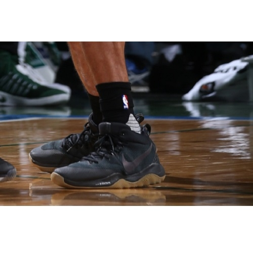 Jared Dudley shoes