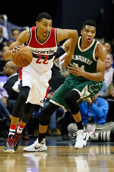 263fcf1688d Giannis Antetokounmpo shoes